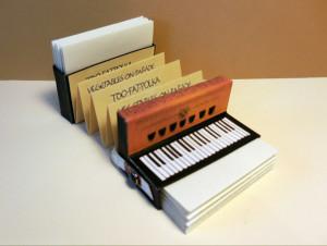 2015-04-09-piano-accordion-book-unstrapped